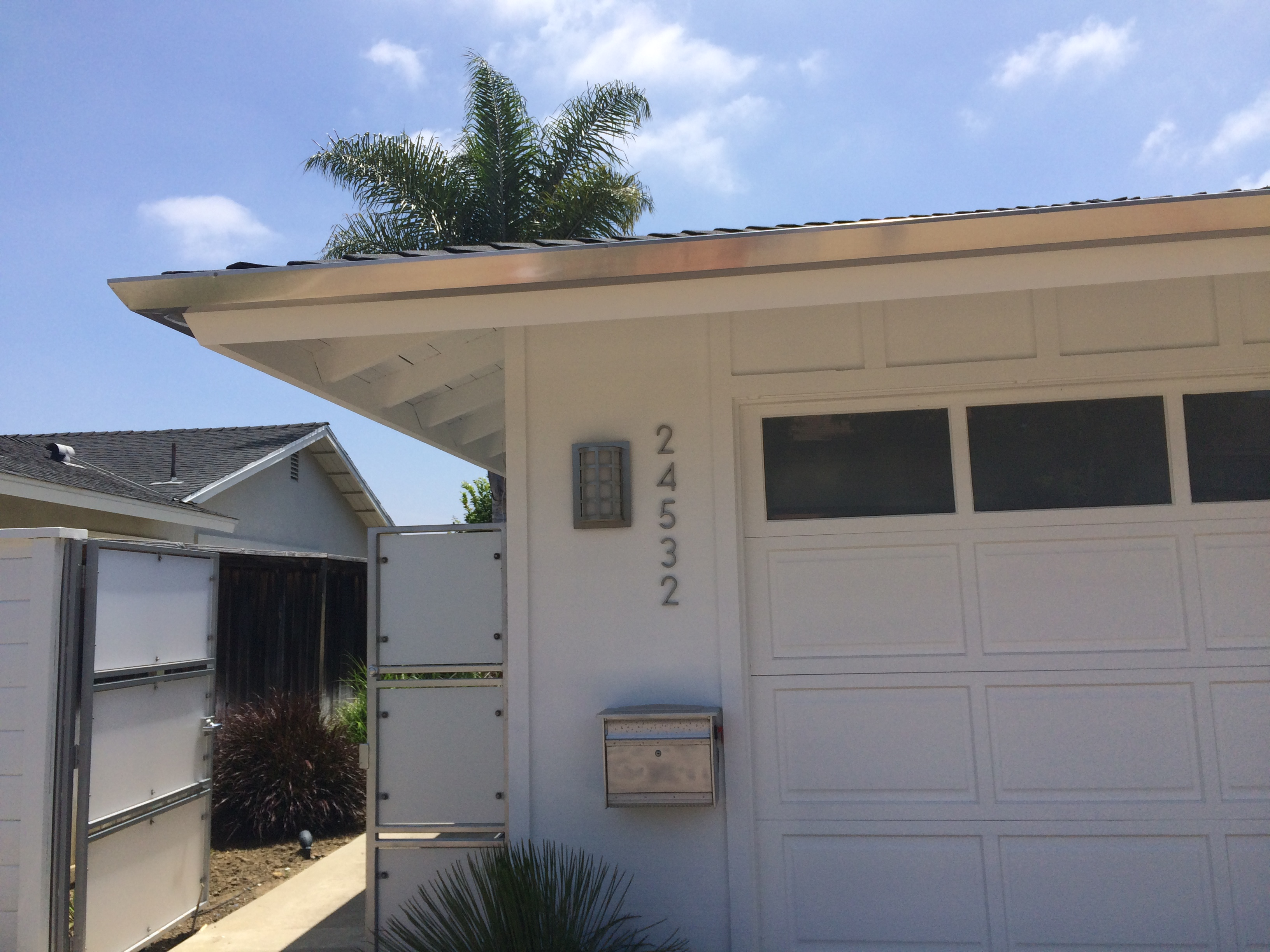 rain-gutter-installation-huntington-beach